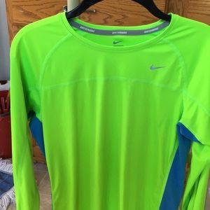 Nike dri fit running long/slv shirt  Women's lrg